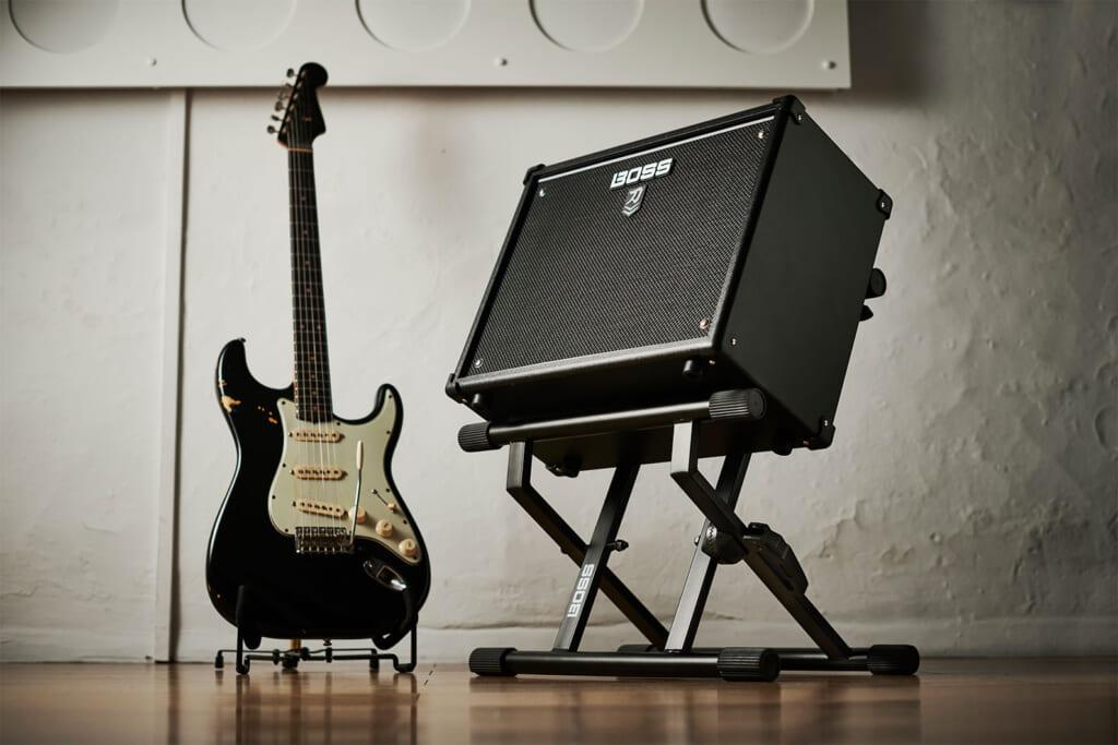 """高い堅牢性と安定性を実現したBOSSのギター・アンプ専用スタンド""""BAS-1"""""""