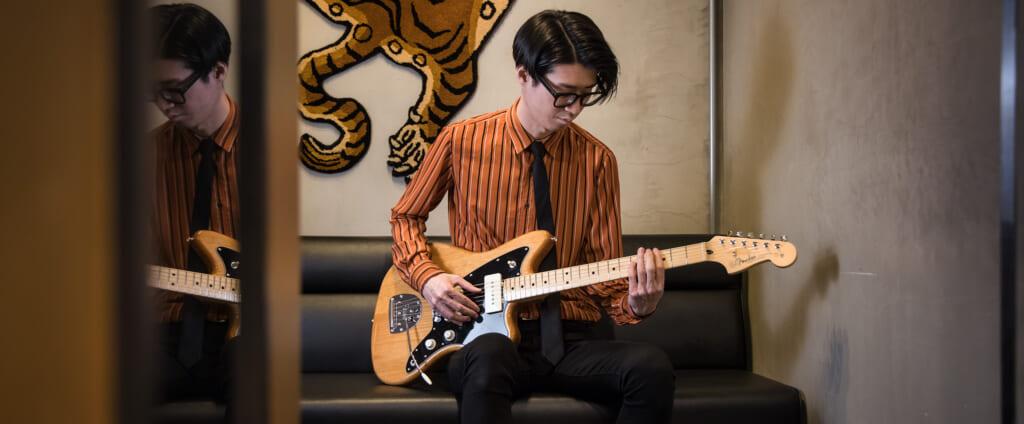 米田貴紀(夜の本気ダンス)× フェンダーMade in Japan Hybrid Ⅱ Jazzmaster