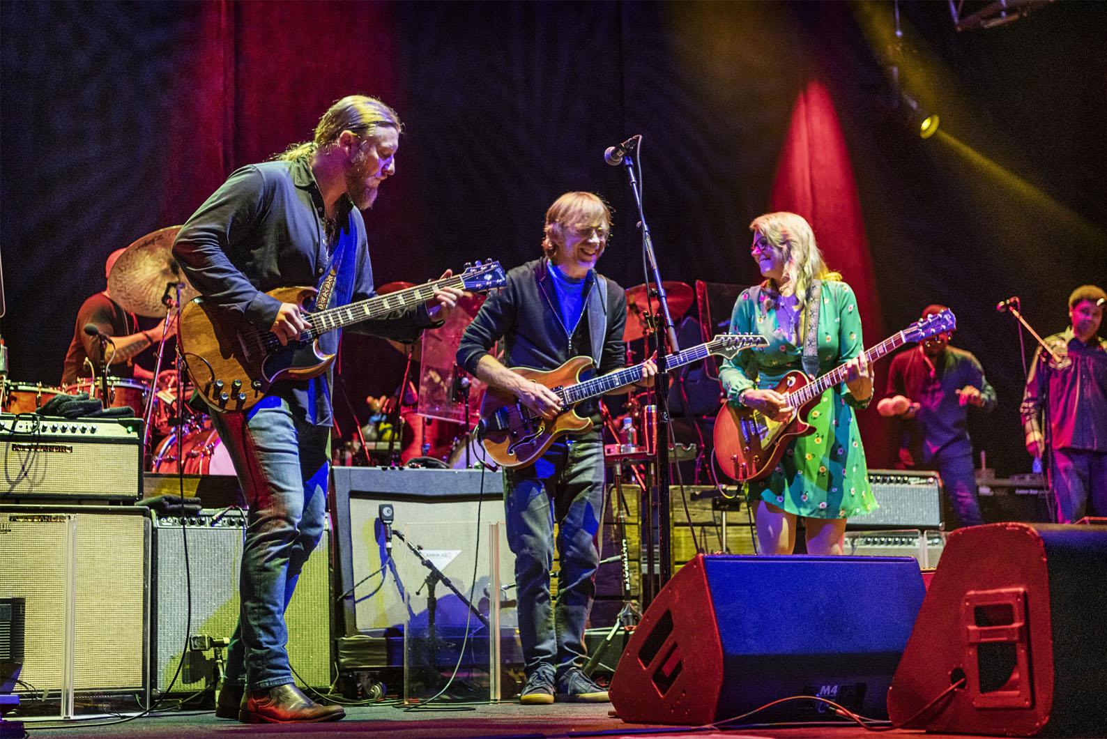 デレク・トラックスが『いとしのレイラ』の全曲を再現したライブ盤7月に発売
